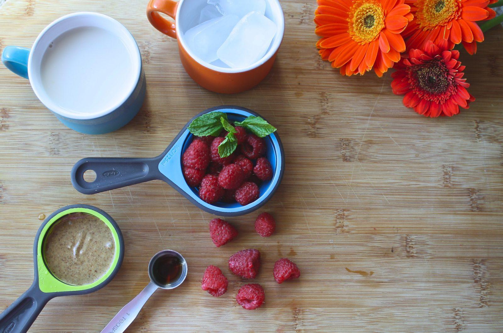 Superfoods, raspberries, tea