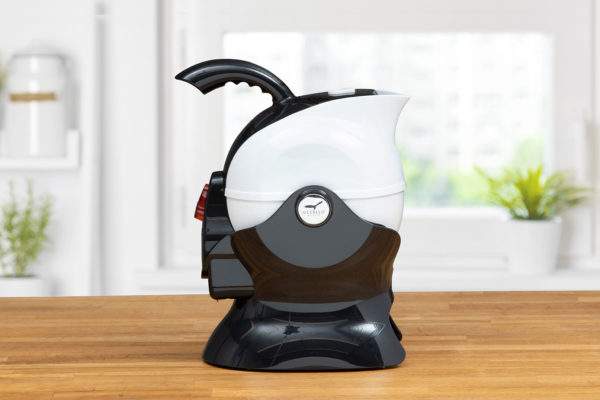 Side View of the Black and White Uccello Kettle
